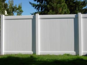 vinyl-privacy-fence